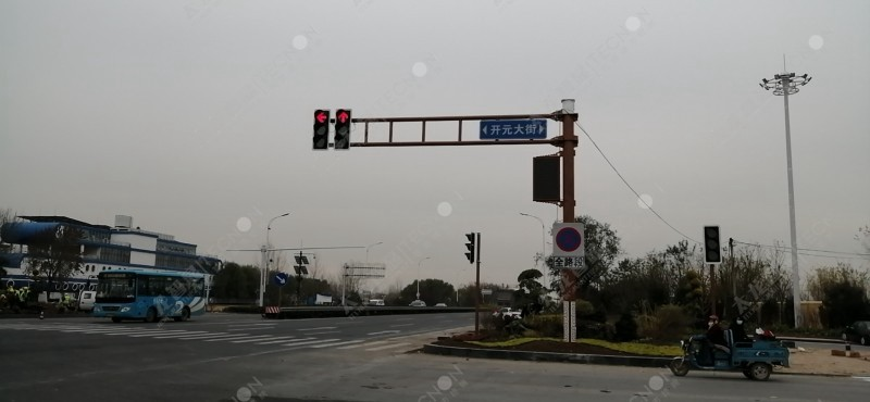 led灯杆屏|智慧灯杆屏|立柱广告机|led广告机|智慧路灯|户外LED广告机|灯杆屏
